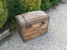 Coffre bois, fin 1800 a restaurer