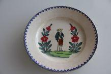 Assiette vintage décorative en faïence de Longwy