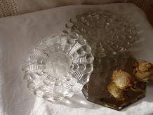 5 coupelles en verre moulé