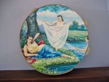 Grand tambourin décoratif illustré. Italie, années 60-70