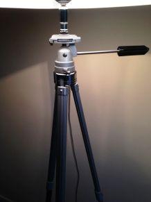 grand lampadaire créé s/anc. trépied photo métal