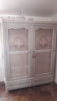 Armoire de style Shabby chic Patine grise