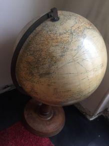 Globe Terrestre de Standing Girard-Barrère&Thomas 1950s
