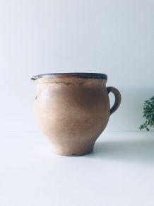 Pichet, poterie ancienne en terre cuite