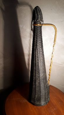 Bouteille scoubidou noir carafe 1970. a