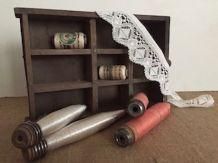 Paire de bobines anciennes de filature, décoration