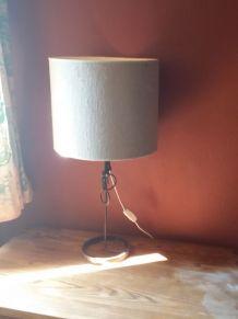 •Lampe décorative, avec pied en fer forgé – Pièce unique
