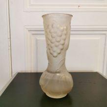 Vase en verre dépoli style art déco