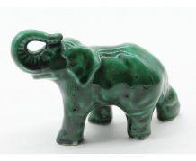 statue en barbotine elephant vert
