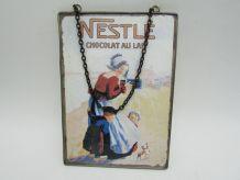 carte postale publicitaire chocolat Nestlé sous verre