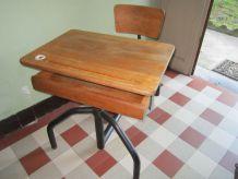 Bureau écolier ancien