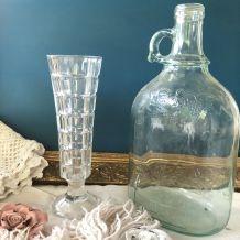 Vase rétro en verre moulé