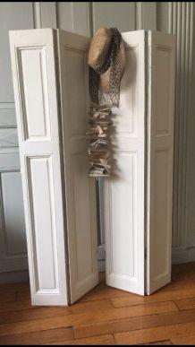 Paire de volets d'intérieur à deux panneaux