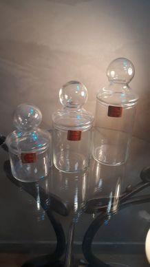 lot de 3  bonbonnieres  ou pots en verre  (durobor)  belgiqu