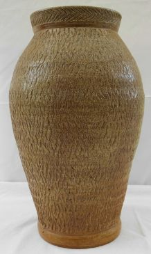 Vase de fleuriste brun