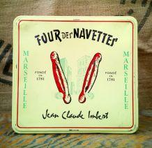 """Boite publicitaire en tôle du """"Four des Navettes""""- Marseille"""