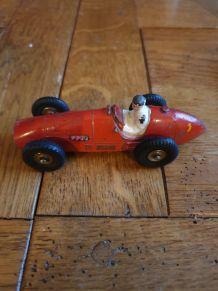 dinky toys Ferrari made in france 23j