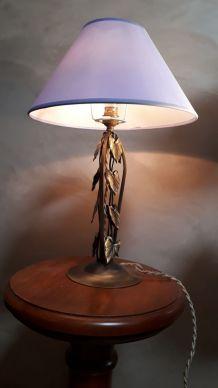 lampe style fer forgè avec patine bronze   dans le style art