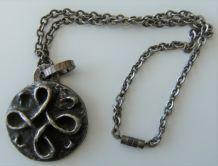 Collier pendentif Bronze Yvonne Tindas artisanale bijoux