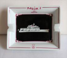 Grand cendrier Maxim's des mers représentant un paquebot