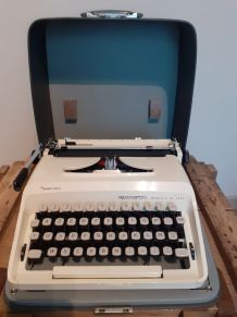 Machine à écrire Remington Monarch de Luxe