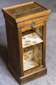 Petit meuble d'appoint / chevet ancien vintage