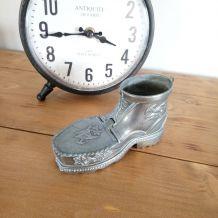"""Chaussure """"vagabonde"""" cendrier en métal"""