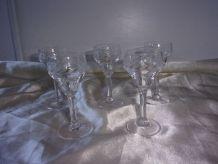 5 petits verres à liqueur cristal ciselé
