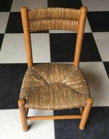 chaise enfant ou de poupée en bois et paille. Assise 23 cm