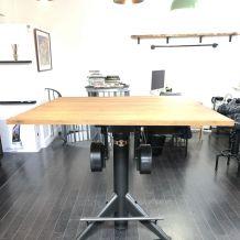 Table Style Loft  Industriel. 120 X 120 cm, H-105