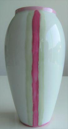 Petit vase opaline porcelaine de Limoges acidulé