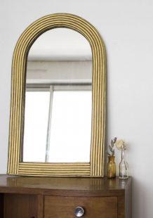 Petit miroir ancien en bois doré