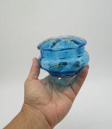 ancienne bonbonnière verre bleu émaillée blue