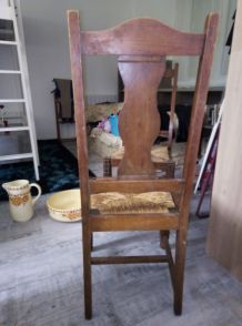 Lot de 6 chaises en bois sculpté avec assise en paille