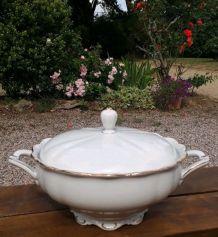Soupière Theresia, porcelaine de Bavière, blanche et or