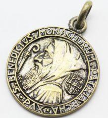 Grande médaille Saint benoit Ferdinand Py