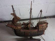 Maquette bateau bois reproduction santa maria - C. Collomb