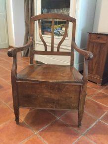 Chaise ancienne en bois noble