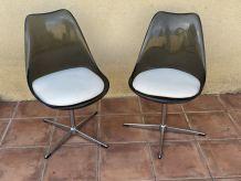 Paire de chaises Vintage. Coque plexiglass et acier chromé.