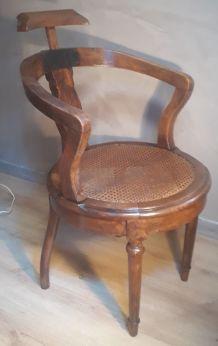 fauteuil avec dossier en bois massif assise cannée 1900  sty