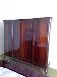 Armoire vintage