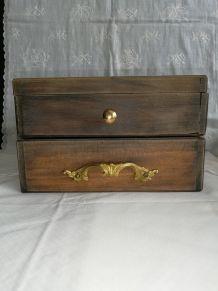 Ancienne boîte/coffret à bijoux ou à maquillage