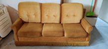 Salon : Canapé et 2 fauteuils velours moutarde