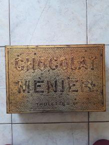 Boîte en tôle doré Chocolat Menier  vintage
