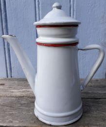 Cafetière émaillée blanche et rouge 50cl