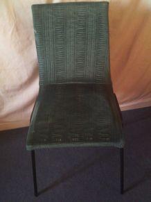 Chaise en tissu velours
