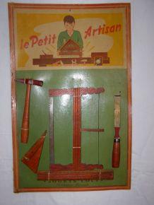 Ancien jouet Loly: panoplie Le Petit Artisan