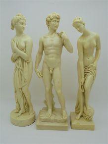 3 statuettes en résine