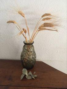 Vase en verre au décor végétal style art déco.