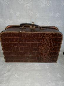 Ancienne valisette boîte à couture